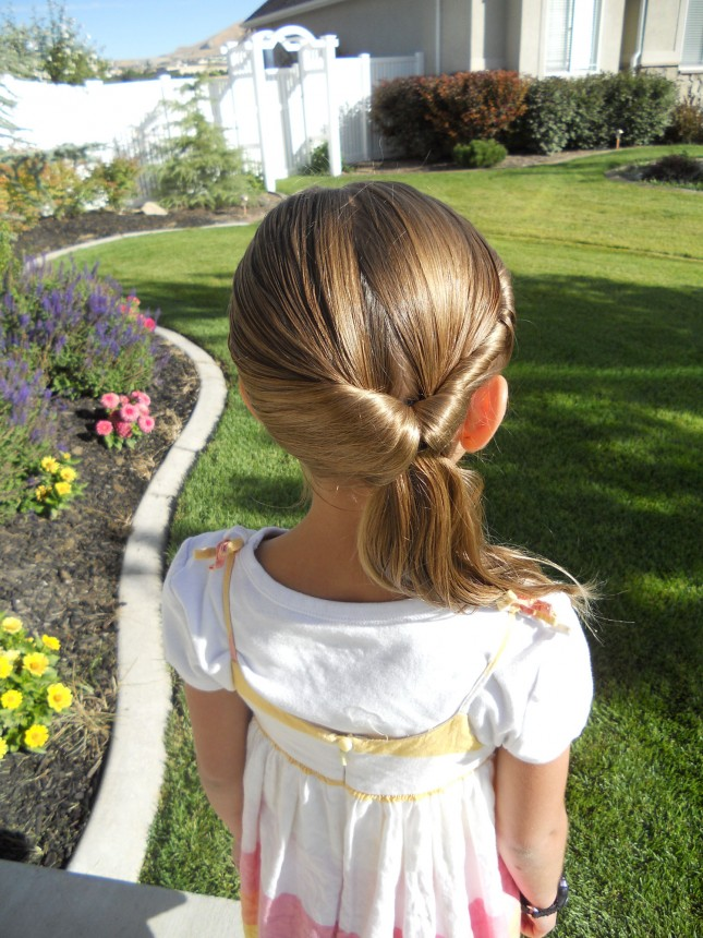 5 minutes little girl hairstyles twisted ponytail