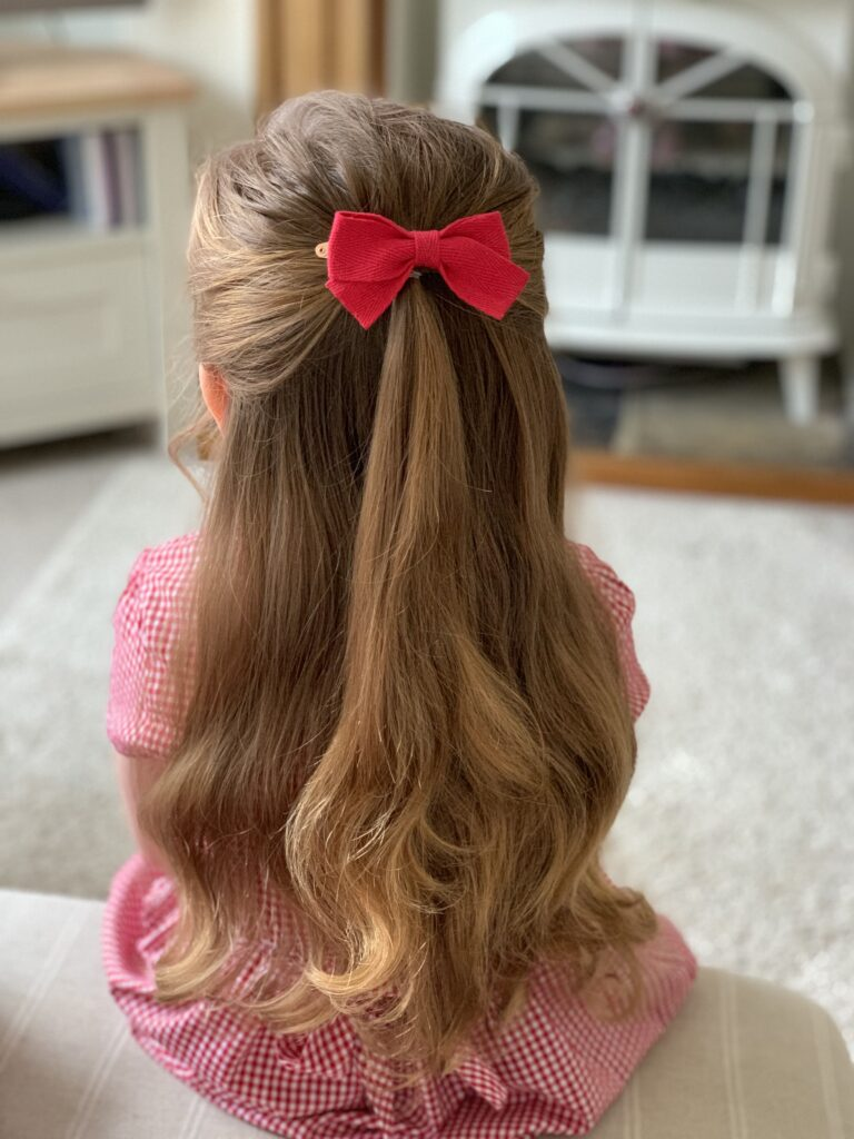little girl hairstyles with accessories bow clip